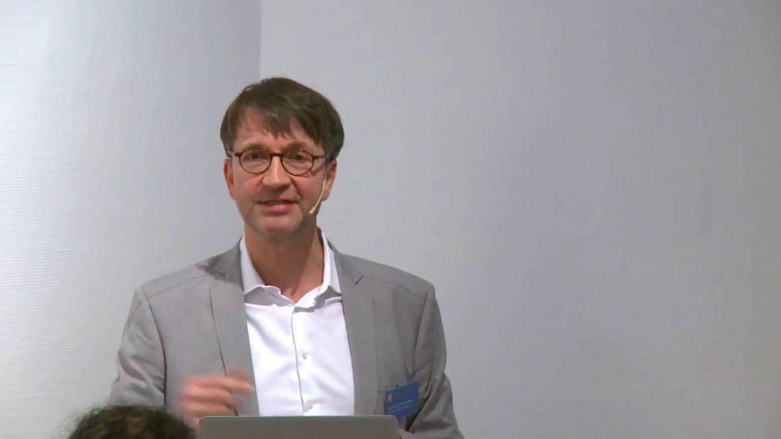 Einführung des 1. Symposiums Digitalisierung und Mediendidaktik in der Lehrerbildung